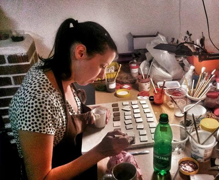 IKA pracownia ceramiczna, rękodzieło, kubeczki ceramiczne, biżuteria, ozdoby, pluszaki.