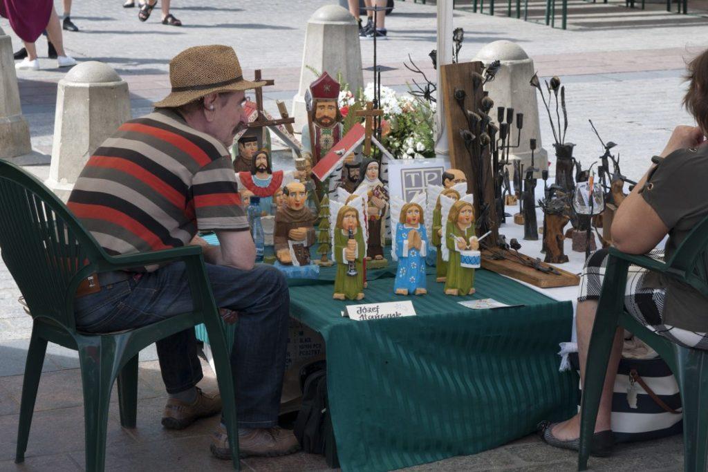 Rzeźbiarstwo, ręcznie robione figurki.